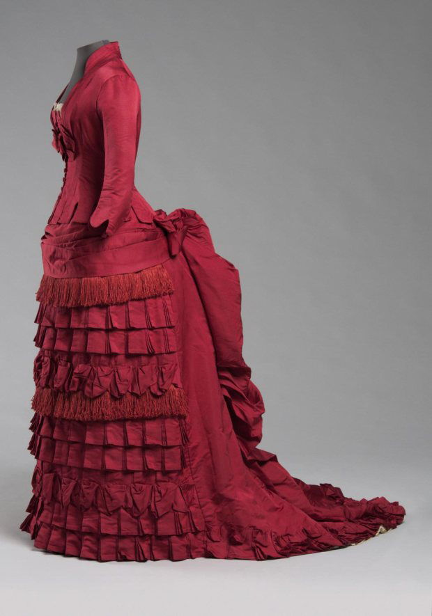 1876-red-silk-dress-image-via-philadelphia-museum-of-art