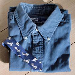 hemd en das geplooid